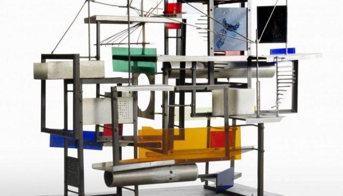2.-Constant-Nieuwenhuys-Klein-Labyr-maquette-1959-New-Babylon-Gemeentemuseum-Den-Haag